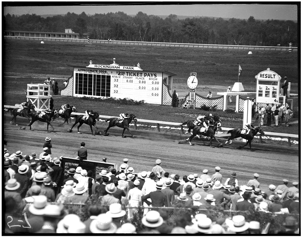 Horse Race at Rockingham Park in 1933