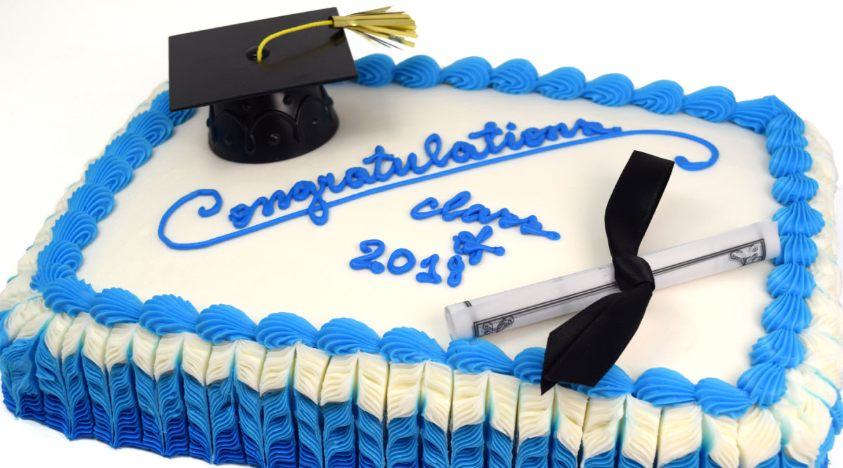 Graduation Cake Class of 2018 with Grad Cap and Diploma Decoration